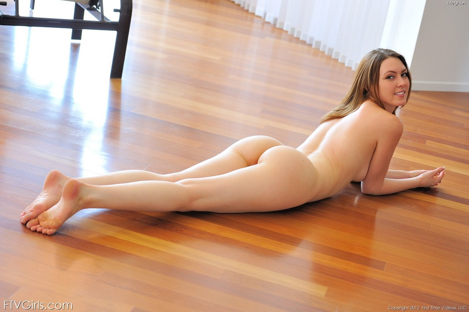 Meghan Lo Sey Beauty Lying Naked On Her Stomach The Floor While